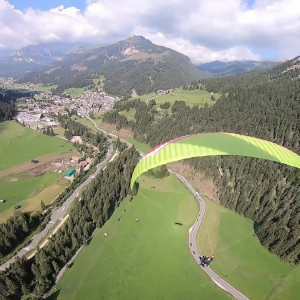 The tandem paragliding flight over the Fassa valley. An incomparable context. Would you like to try it too ???